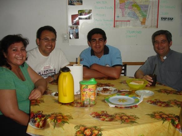 Gachy, César, Marcelo y el Padre Hernán
