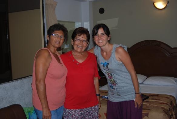14f-Nazca con MaTeresa y Mirella (3)