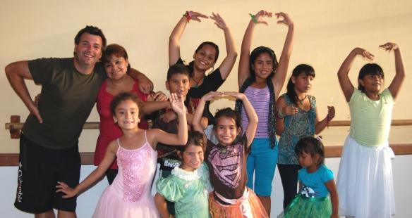 Con Lupita, Mika y bailarines