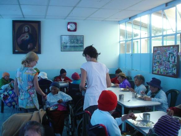 15e-Quito II (33) Hnas Caridad