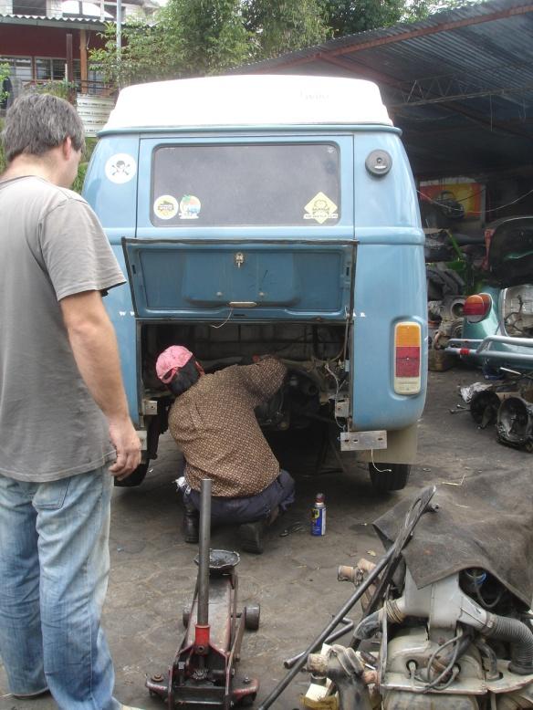 15f-Quito III mecanico Diego (4)