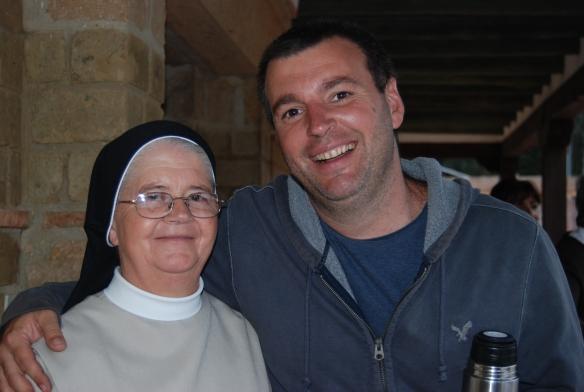 con la Hermanita Evalina de la Ciudad de Dios de Sonson