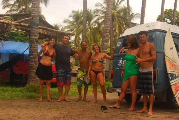 20b-El Tunco con los chicos y surf (53)