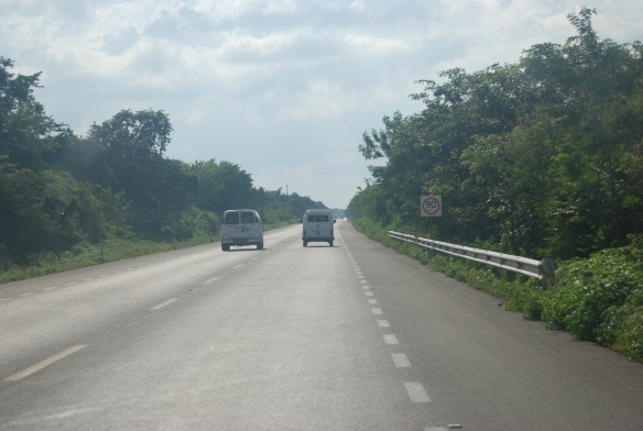 23d-Camino a Merida Cenote Chihuan (1)