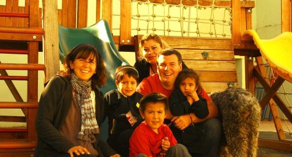 con Lorena, lso chicos, y Greñas de espaldas!